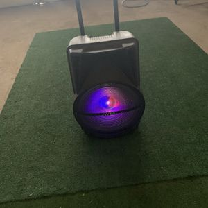 Speaker Bluetooth $120 Lights Led for Sale in Hesperia, CA