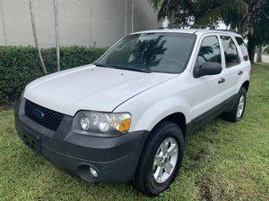 2008 ford scape for Sale in Miami, FL