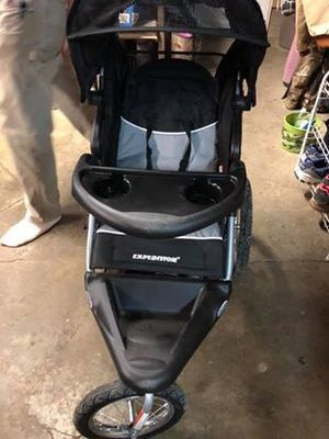 Baby Trend car seat and stroller for Sale in Medina, OH