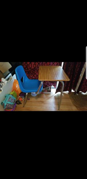 School desk with chair for Sale in Portland, OR