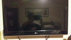 LG flatscreen 32in LED for Sale in Tempe, AZ