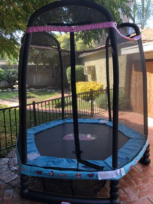 Enclosed Trampoline with Safety Net for Sale in Los Angeles, CA