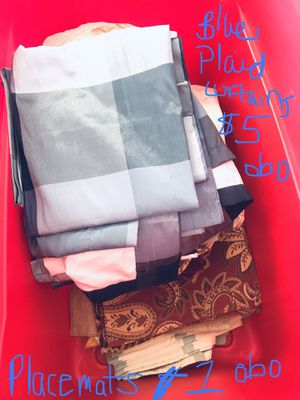 Plaid curtains perfect condition and lots of placemat sets for Sale in Whiteriver, AZ