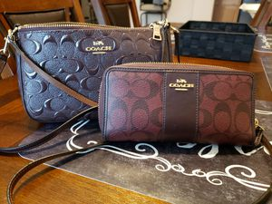 Coach oxblood color matching crossbody and wallet for Sale in Merced, CA