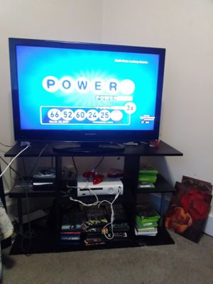 I have a 40 inch Dynex flat screen TV with a nice TV stand asking $185 for both for Sale in Niles, MI