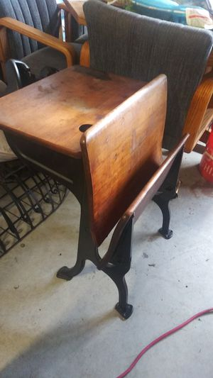 Childrens Inkwell desk for Sale in Puyallup, WA