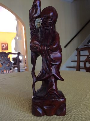 Collectible vintage carved wood statue of one of the three wisemen stands about 12 inches tall in very good condition. for Sale in West Palm Beach, FL