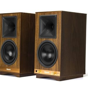 Klipsch The Sixes Powered Monitor – Walnut Veneer (Pair) for Sale in Brooklyn, NY
