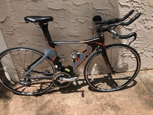 Quintana Roo road bike for Sale in Coral Gables, FL
