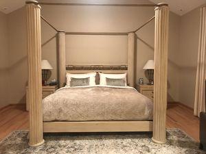 Henredon four column solid oak platform king size bed frame for Sale in Bloomfield Township, MI