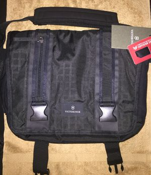 VICTORINOX laptop bag New for Sale in Los Angeles, CA