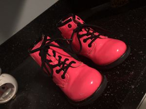Toddler girl size 6 boots for Sale in Grand Rapids, MI