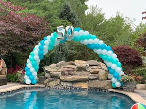 Balloon Setup Arch Columns for Sale in Little Ferry, NJ