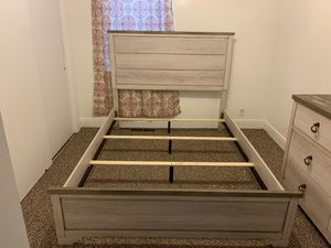 Queen size frame and dresser for Sale in Lancaster, NY
