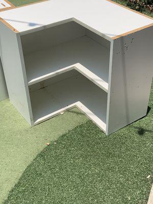 Córner cabinet/ book shelf for Sale in Chula Vista, CA