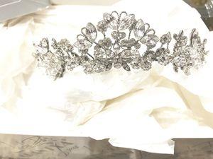 Wedding / quince tiara for Sale in Hialeah, FL