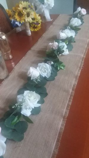 New Wedding Garland Blush & Ivory for Sale in Fontana, CA