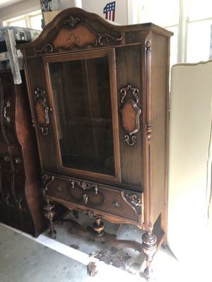 China hutch for Sale in Clayton, NC