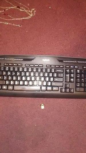 Logitech wireless keyboard for Sale in St. Petersburg, FL