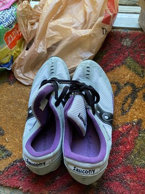 Saucony size 8 practically new for Sale in Cohutta, GA