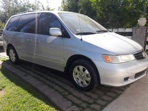 VAN HONDA ODYSSEY 2001 for Sale in Phoenix, AZ