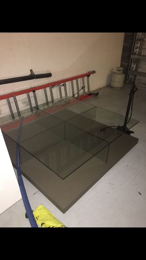 Quality Glass coffee table for Sale in Miami, FL