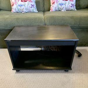 Small tv stand for Sale in Ashburn, VA