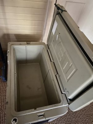 Cooler (65) for Sale in Tyler, TX