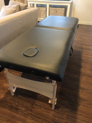 "Portable massage table 28"" wide and 73"" long great condition for Sale in Snohomish, WA"