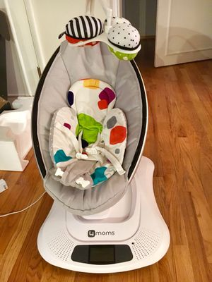 4moms mamaRoo baby swing. for Sale in Seattle, WA