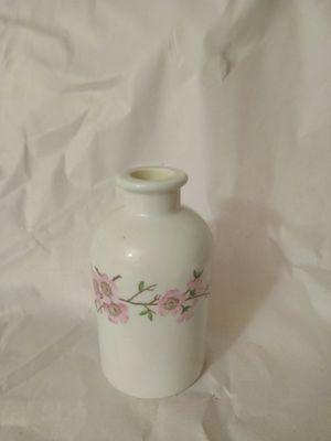 """Small """"Porcelain de Paris France"""" vase for Sale in Springfield, VA"""