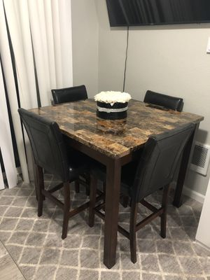 Dining table for Sale in Joint Base Lewis-McChord, WA