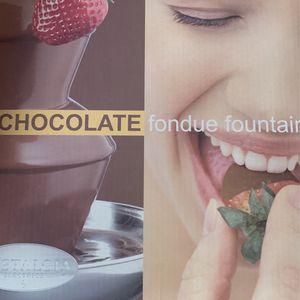 Chocolate fondue fountain for Sale in Costa Mesa, CA