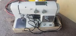 Sewing machine for Sale in Hawthorne, CA