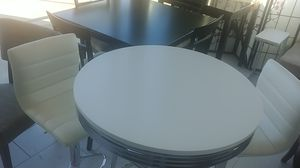 Bar Table set Three piece Display Model. 2300. 120342 for Sale in Missouri City, TX