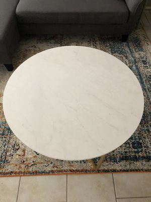 White marble and gold coffee table for Sale in Houston, TX
