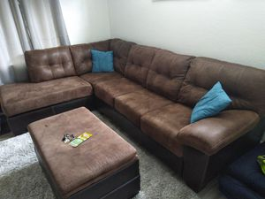 Sectional couch for Sale in BELLEAIR BLF, FL