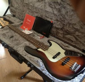 Fender American Professional Bass for Sale in Los Angeles, CA