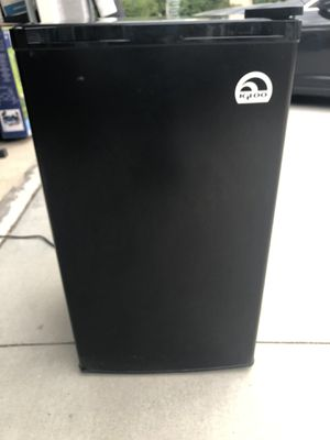 IGLOO refrigerator for Sale in Fontana, CA