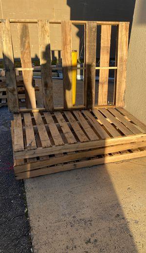 Free pallets for Sale in Norfolk, VA