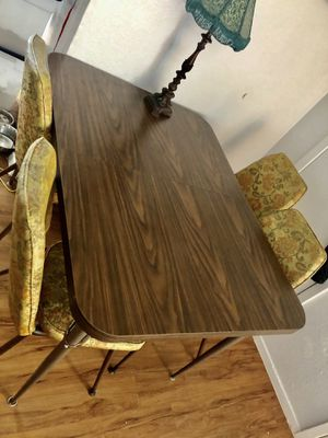 Vintage retro dining set table with floral chairs for Sale in Austin, TX