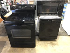 Beautiful set of stove, dishwasher and microwave for Sale in Wrightwood, CA