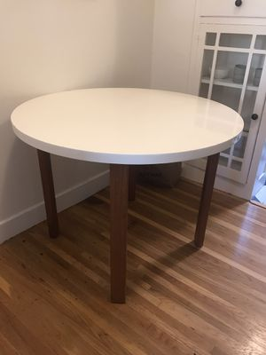 Crate & Barrel kitchen table for Sale in San Francisco, CA