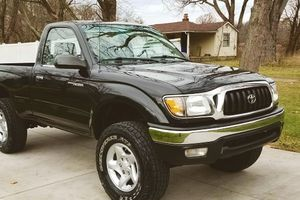 1-owner all original truck TOYOTA TACOMA 2001 for Sale in Milwaukee, WI