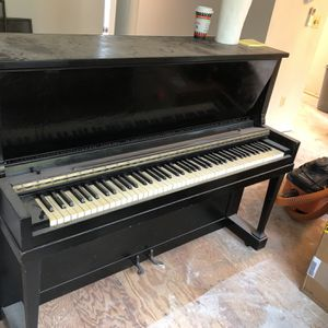 Free Janssen Piano, Upright for Sale in Lake Forest Park, WA