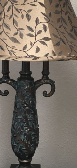 Antique Looking Table Lamp for Sale in Irvine,  CA