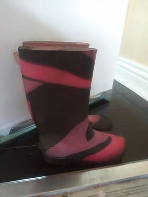 Girls rain boots size 11. Good condition! for Sale in San Diego, CA