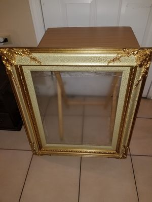 Beautiful picture frame for Sale in Miami, FL