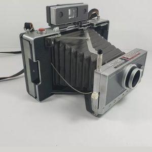 Polaroid Automatic 100 Land Camera for Sale in Winfield, IL