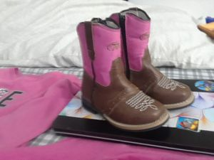 Toddler girls sz 6 cowgirl boots excellent condition for Sale in Hollister, CA